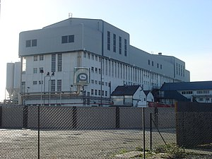 Abram Lyle - Image: Tate and Lyle building geograph.org.uk 1124019