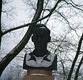 Teodor Lippmaa kuju Tartu botaanikaaias (lähivaade), 3. veebruar 2013.jpg