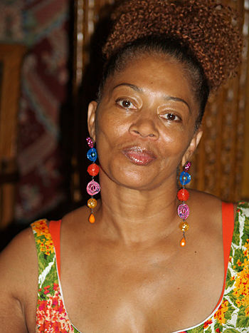 English: Terry McMillan at the 2008 Brooklyn B...