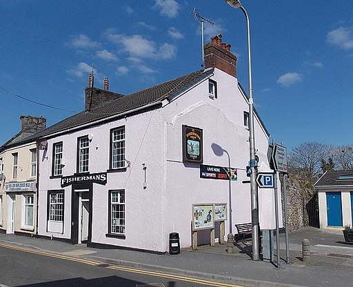 The Fishermans Arms, Kidwelly - geograph.org.uk - 3993377