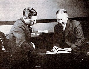 Ellis Parker Butler - Director King Vidor and author Ellis Parker Butler discussing The Jack-Knife Man, which was being filmed in 1920