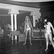 The Ladybirds opptrer i Bergen The Ladybirds performing in Bergen, Norway (1968) (10).jpg