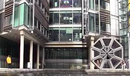 Video clip of opening and closing of the rolling bridge, at paddington
