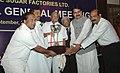 The Union Minister of Consumer Affairs, Food and Public Distribution and Agriculture, Shri Sharad Pawar presenting Efficiency Award to the Nira Bhima Sahakari Sakhar Karkhana Ltd. Shahajinagar, Pune, Maharashtra.jpg