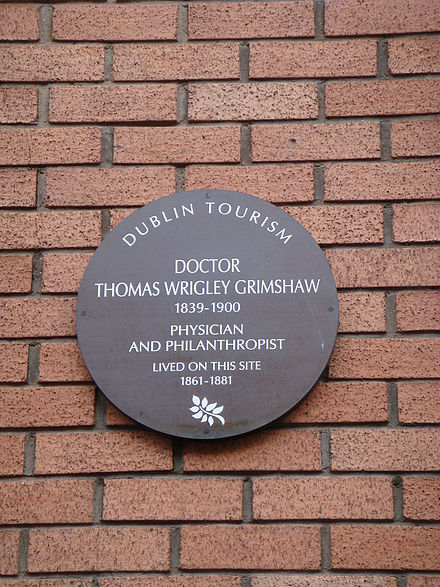 Plaque in Molesworth St Thomas-Grimshaw.jpg