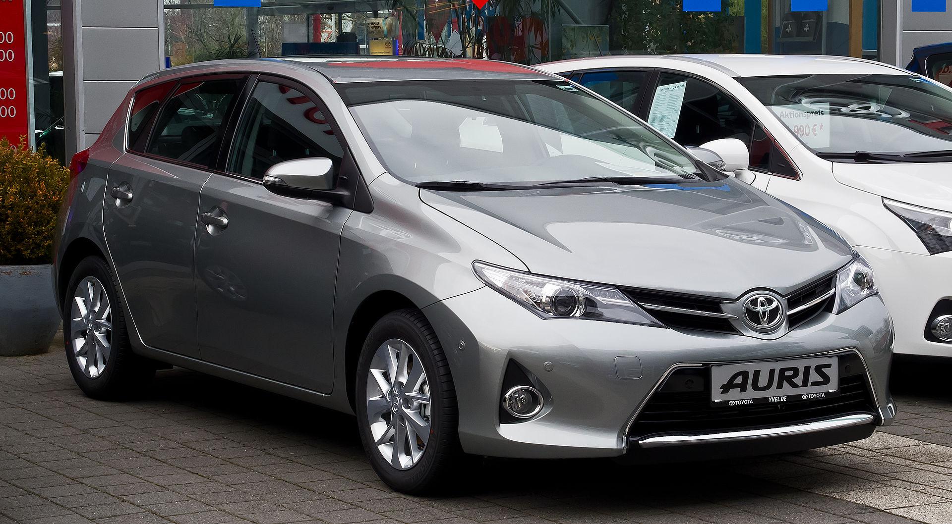 Toyota Auris zmienia wygląd