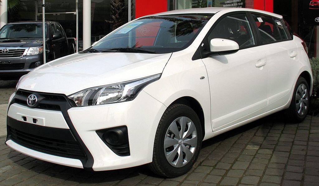 File:Toyota Yaris 1.5E GL 2014 (14312824277).jpg - Wikimedia Commons