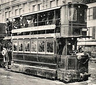 Mekarski system - Image: Tramway Mékarski Paris 1910 inondations extrait