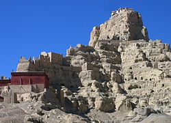 Tsaparang-ruins of ancient capital of Guge Kingdom 03.JPG