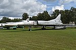 Tupolev Tu-22M-0 '33 red' (38795751854).jpg
