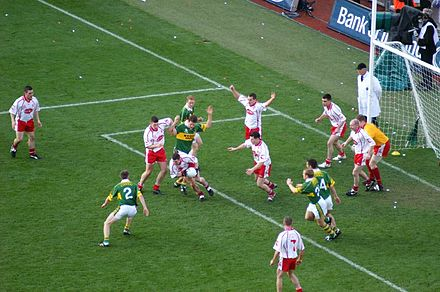 Tyrone v Kerry in the 2005 All-Ireland Senior Football Championship Final Tyrone Blanket Defence.jpg