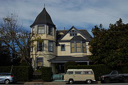 USA-Santa Cruz-Golden Gate Villa-2.jpg