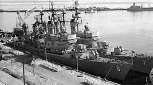 USS Farragut (DLG-6) and Luce (DLG-7) at Mayport 1962.jpg