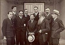 Udeleženci na umetniški razstavi velesejma 1927.jpg