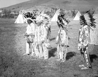 War bonnet - Unidentified Cree at a pow wow in Fort Qu'Appelle, Saskatchewan