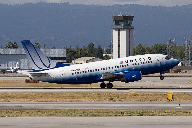 File:United Airlines Boeing 737-522 taking off at San Jose International Airport.jpg