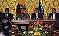 VII Encuentro Presidencial Ecuador-Venezuela. Entrega de créditos no reembolsables, suscripción de convenios y rueda de prensa (4466527736).jpg