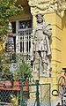 Venediger Au 6, Vienna - statue 2.jpg