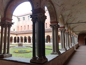 Basilica di Sant'Andrea - View of the cloister.