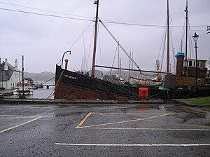 Clyde puffer - Auld Reekie at Crinan.