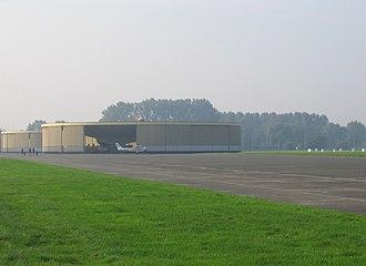 Grimbergen Airfield - Image: Vliegtuigloodsen Grimbergen