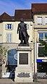 Vue d'ensemble de la statue du Général Lecourbe 02.jpg