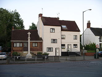 Walsgrave - War memorial and houses on Hall Lane