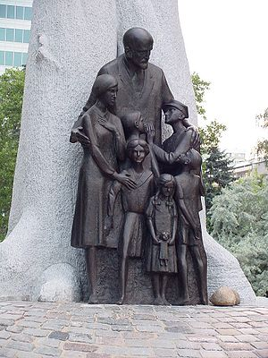 Korczak (film) - Monument in Warsaw