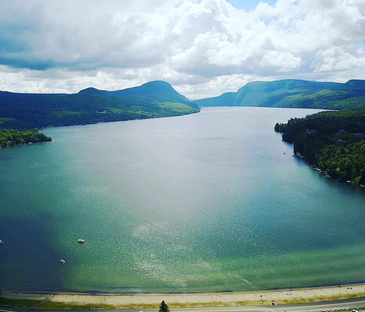 Lake Willoughby - Wikipedia