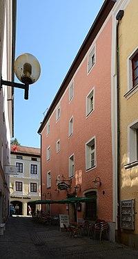 Wohnhaus und Gaststätte Rosengasse 1 (Passau) a.jpg
