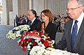 Wreath laying at the Menin Gate (47684993141).jpg