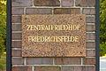 Zentralfriedhof Eingangstafel - Berlin-Liberg 2013 - 1319-1199-120.jpg