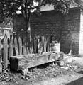 """""""Štirna na pumpo"""" (vodnjak s črpalko), Brinje 1961.jpg"""