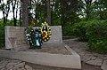 Братська могила радянських воїнів у місті Кам'янець-Подільському.jpg