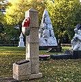 Памятник Валентину Котельникову.jpg