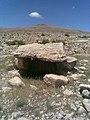القبر الميغاليتي المسمى عشة العبري بعين البرج ولاية ام البواقي.jpg