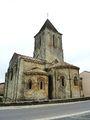 003 Melle (Deux-Sèvres) église romane Saint-Pierre.JPG