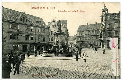 Lutherplatz mit Lutherdenkmal