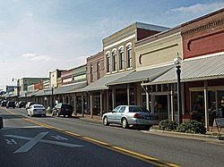 The Hartselle Downtown Commercial Historic District was added to the National Register of Historic Places on ۲۲ آوریل, ۱۹۹۹ (میلادی).