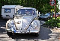 13-05-05 Oldtimerteffen Liblar VW Käfer silber 01.jpg