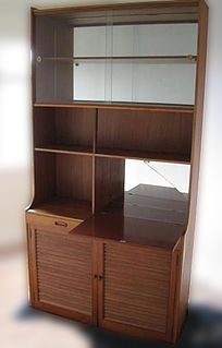 Hutch (furniture)