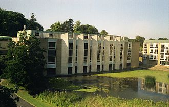 Van Mildert College, Durham - A view of the main building and lake at Van Mildert College in 1995