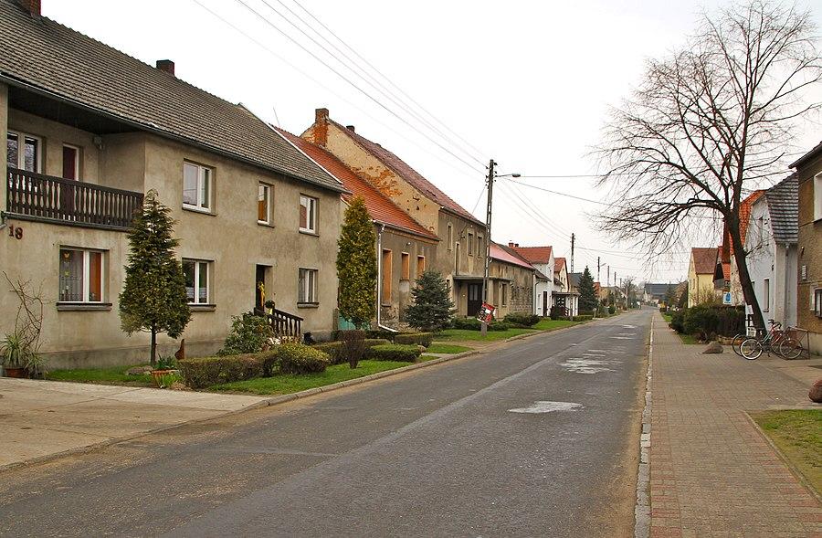 Łowkowice, Krapkowice County