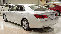 2012 Toyota Crown-Royal 02.jpg