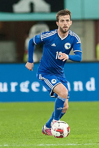 Miralem Pjanić - Pjanić playing for Bosnia and Herzegovina in 2015