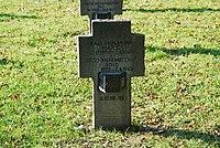 2017-09-28 GuentherZ Wien11 Zentralfriedhof Gruppe97 Soldatenfriedhof Wien (Zweiter Weltkrieg) (018).jpg