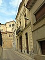 205 Casa al carrer Eusebi Golart, 16 (Canet de Mar), al fons Sant Pere.JPG