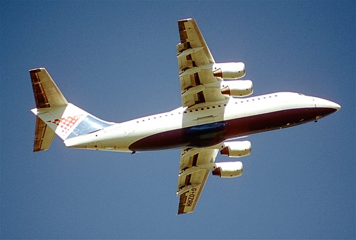 220ct - Croatia Airlines BAe 146-200, G-OZRH@LHR,05.04.2003 - Flickr - Aero Icarus
