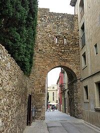 255 Portal del Comte (Peralada), façana oest.JPG