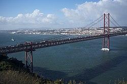 25 de Abril Bridge, Lisbon (11977006983).jpg
